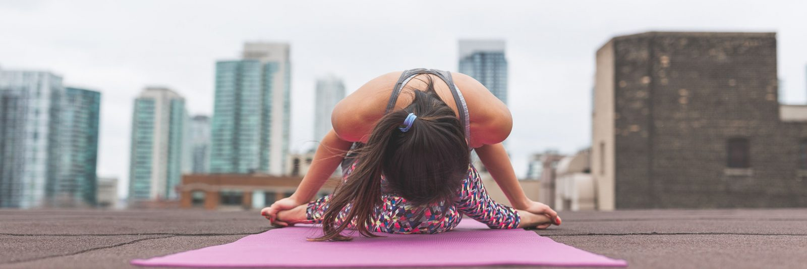 workplace_wellbeing_corporate_yoga_stretching_the_city