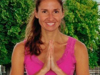 hristina_corporate_yoga_teacher